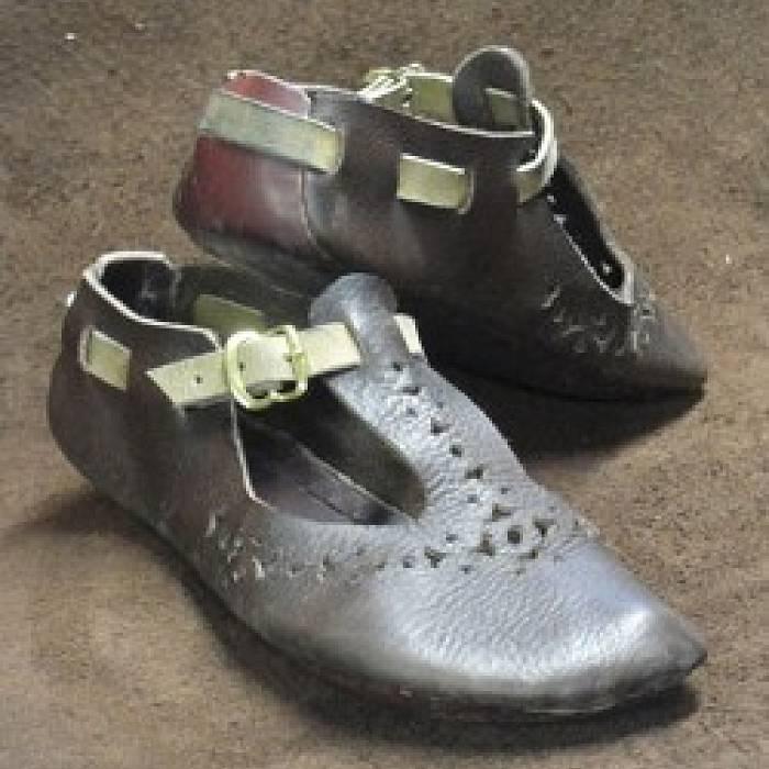 Shoemaking: 9th Century German Turn Shoe